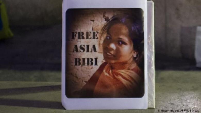 Korban Pasal Penistaan Agama Asia Bibi Tinggalkan Pakistan Menuju Kanada
