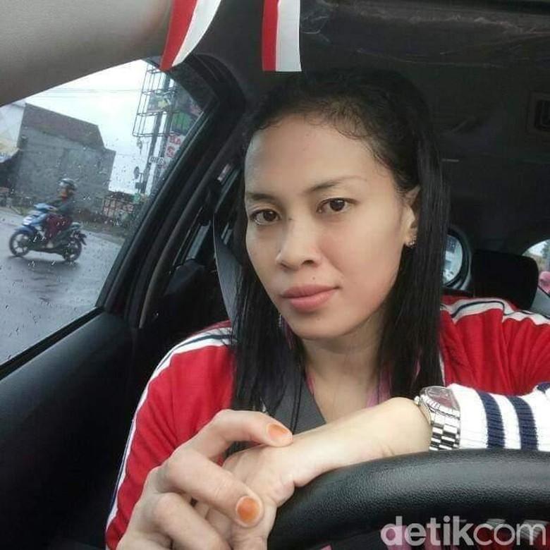 Cerita Yuni, Sopir Taksi Online yang Bawa Jenazah di Garut
