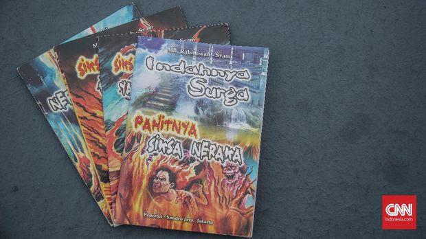 Sejumlah buku komik siksa neraka terbitan Sandro Jaya Jakarta.