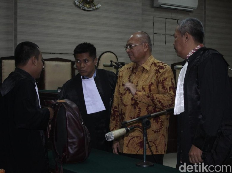 Bupati Malang Nonaktif Rendra Kresna Divonis 6 Tahun Penjara