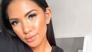 Foto: Blogger Cantik yang Dikritik Norak, Makan di Restoran Cuma Pakai Bra