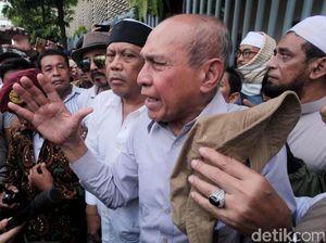 TNI Beri Bantuan, Kivlan Resmi Melawan