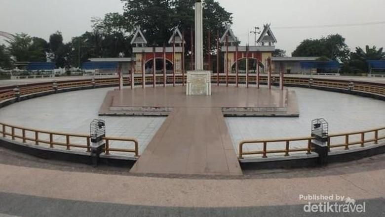Monumen Tugu Soekarno di Palangkaraya (Ipon Susanti/dTraveler)