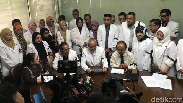 Komunitas Kesehatan Peduli Bangsa Jumpa Pers di Kantor Elza Syarief