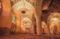 Iran Punya Masjid Secantik Ini