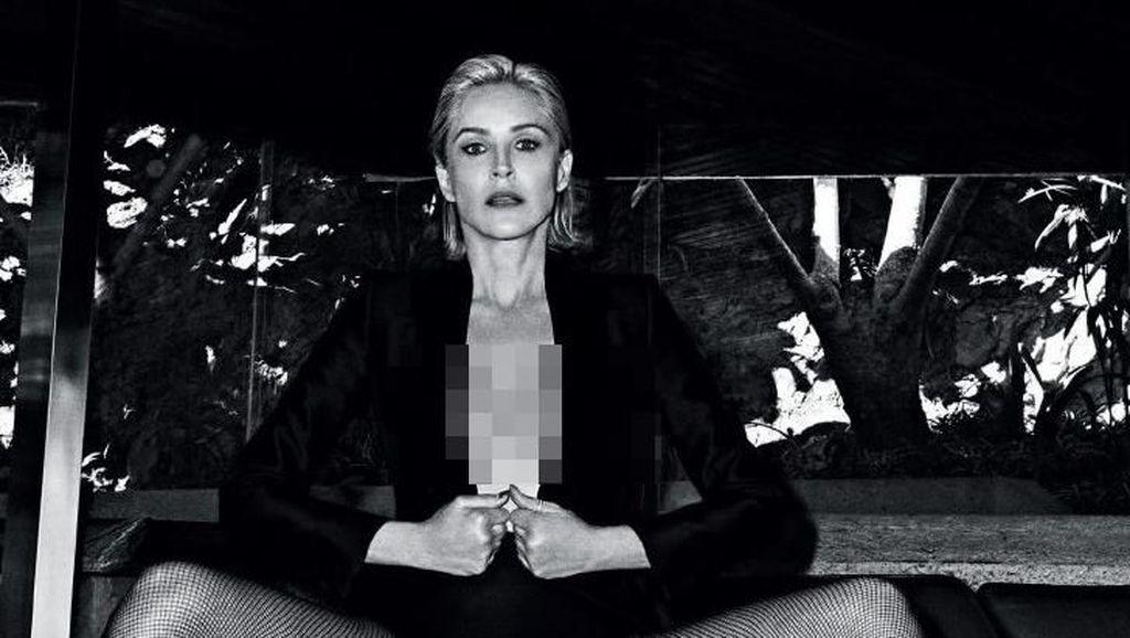 Sharon Stone Pemotretan Seksi di Usia 61, Pesonanya Tak Lekang Waktu