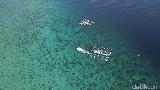 Foto Drone: Pulau dengan Perairan Sejernih Kristal di NTT