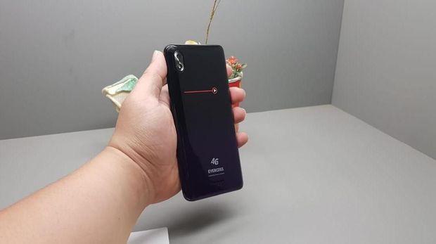 Evercoss Rilis Ponsel 900 Ribuan, Katanya Kuat Buat Nge-game
