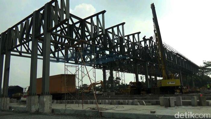 Gerbang tol yang terintegrasi ke ruas jalan Tol cipali dan Cipularang berada di dua lokasi berbeda. Dua lokasi itu tepatnya berada di ruas Tol Cikampek KM 70 dan KM 67 yang masuk daerah Bungursari, Kabupaten Purwakarta, Jawa Barat.