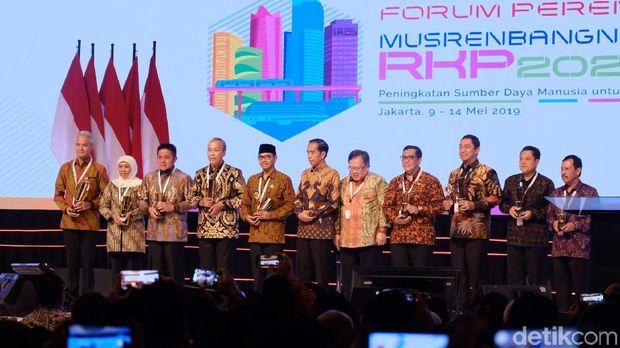 Jokowi di Depan Kepala Daerah: 5 Tahun Lagi Saya Sudah Tak Ada Beban