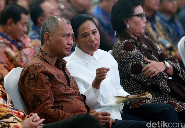 Ketua KPK Agus Rahardjo dan Menteri BUMN Rini Soemarno memberi keynote speech dalam Auditors Talk Seminar Peran SPI di BUMN di Gedung KPK, Jakarta, Kamis (8/5/2019).