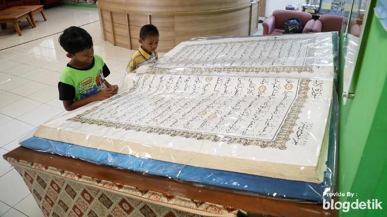 Alquran Raksasa di Jakarta Islamic Center (Pradita Utama/detikcom)