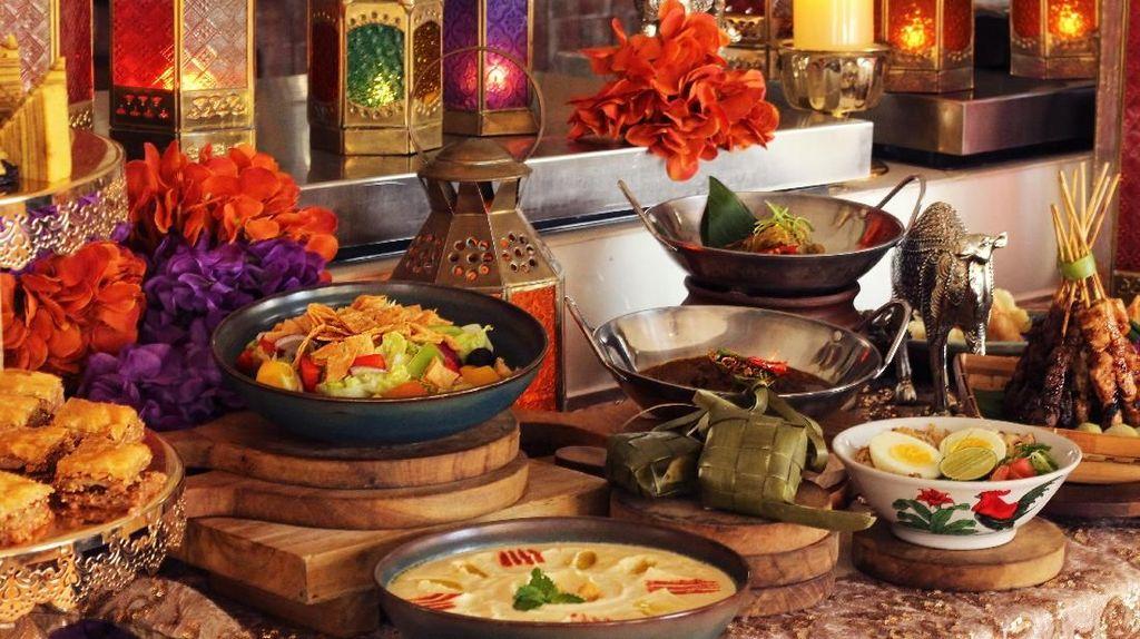 Buka Puasa Mantap dengan Rendang dan Moroccan Tangine di Sini