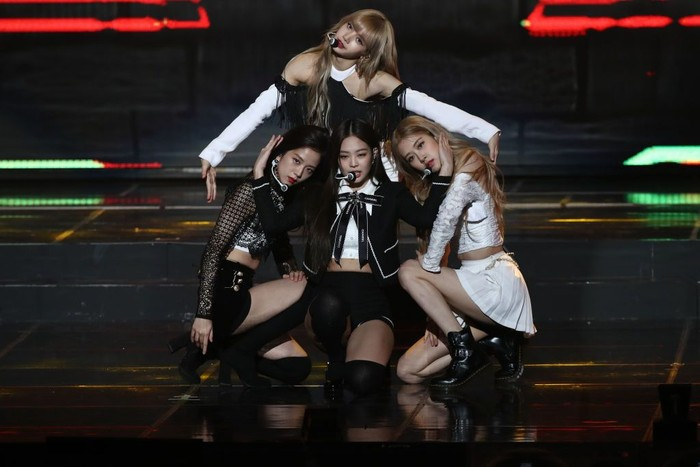 SEOUL, SOUTH KOREA - JANUARY 23: Jennie of Girl group BlackPink performs on stage during the 8th Gaon Chart K-Pop Awards on January 23, 2019 in Seoul, South Korea. (Photo by Chung Sung-Jun/Getty Images)