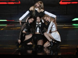 Fans Anggap Personel Blackpink Didiskriminasi Manajemen karena Baju Konser