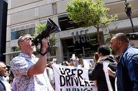 AS Wajibkan Uber Beri Gaji Pokok ke Driver, Grab & Gojek?