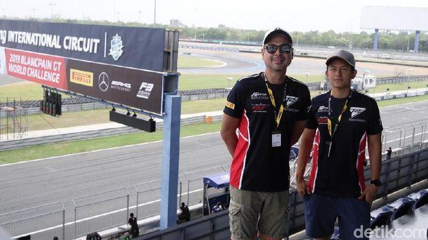 Pebalap Rio Haryanto dan David Tjiptobiantoro sudah tiba di Buriram