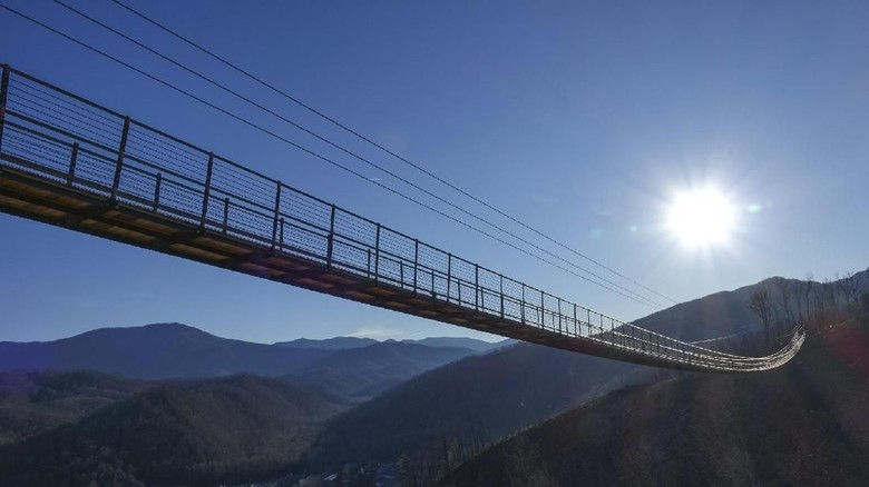 SkyBridge Tennessee, AS (CNN Travel)