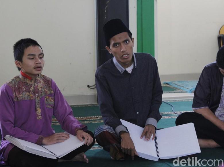 Kebutaan Antarkan Numan Tsabits menjadi Seorang Hafidz Alquran