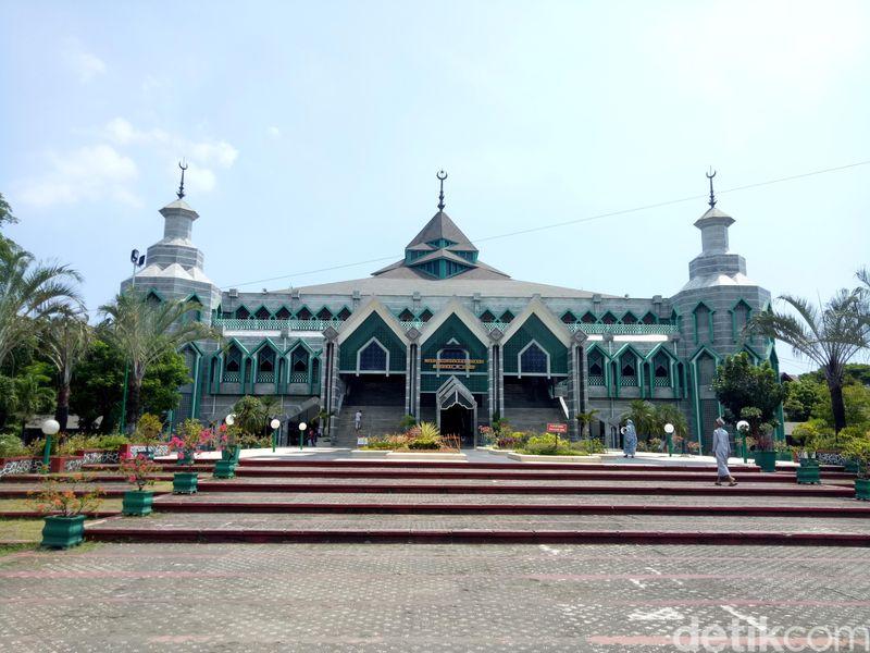 Masjid berlokasi di Jalan Masjid Raya Makassar, Kelurahan Timongan Lompoa, Kecamatan Bontoala, Kota Makasar, Sulawesi Selatan (Ibnu Munsir/detikcom)