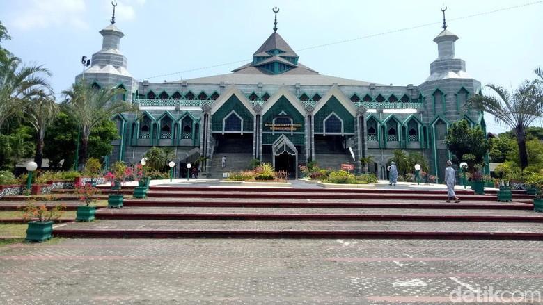 Masjid Al Markas Al Islami (Ibnu Munsir/detikcom)