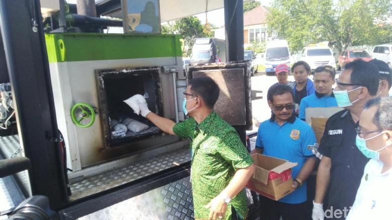 BPOM Semarang Musnahkan Ratusan Ribu Butir Obat Penenang Ilegal