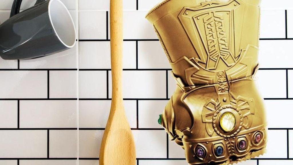 Dijamin Empuk! Sarung Tangan Thanos Ini Bisa Bantu Melunakkan Daging