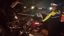 Pikap dan MPV Celaka di Tol Mojokerto, 3 Orang Luka