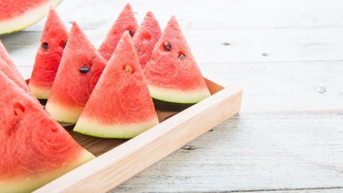 Buka puasa dengan semangka (Foto: iStock)