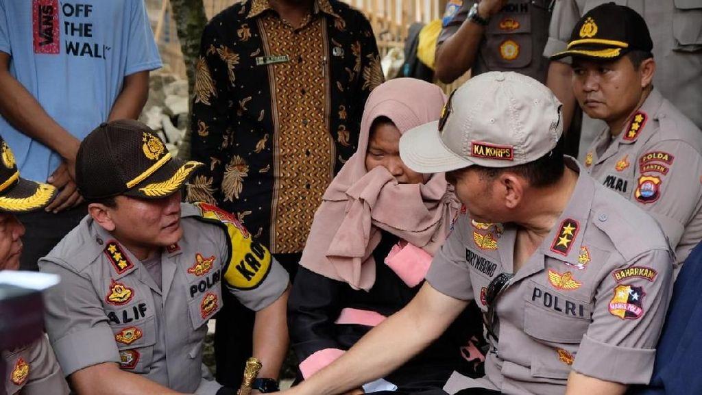 Polri Tawari Anak KPPS yang Meninggal di Tangerang Daftar Jadi Polwan