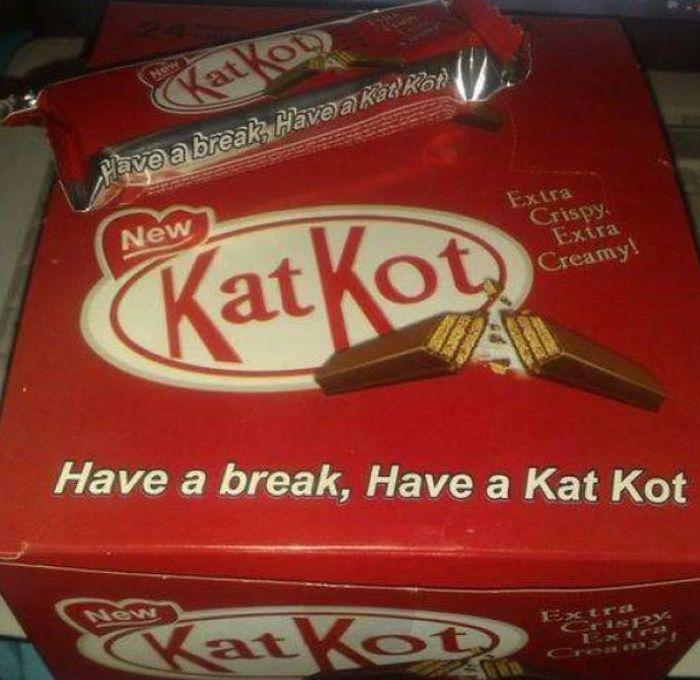 Sudah tahu kan ini tiruan dari produk apa? Ya betul, Kit-Kat. Istimewa/Boredpanda.