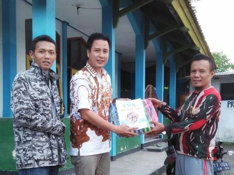 Galang Wakaf Sandal, Warga Pangandaran Banjir Dukungan