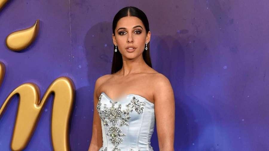 Pesona Putri Jasmine dengan Gaun Burberry di Premiere Aladdin