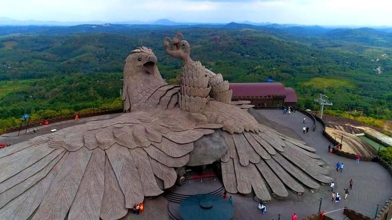 Patung burung raksasa di Kerala, India (Kerala Tourism)