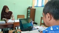 Cerita Ema, Tunanetra Mahir Mengaji dan Juara MTQ Tingkat Jatim