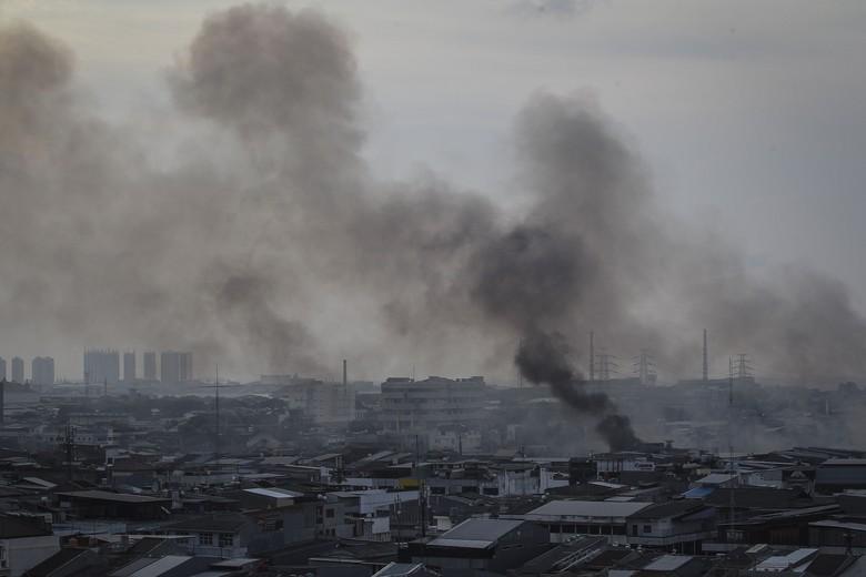 Sempat Terganggu Kebakaran di Kp Bandan, Perjalanan KRL Normal Lagi