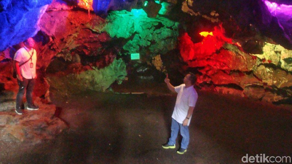 Foto: Warna-warni Goa Lawa Purbalingga yang Dikunjungi Menteri Rini