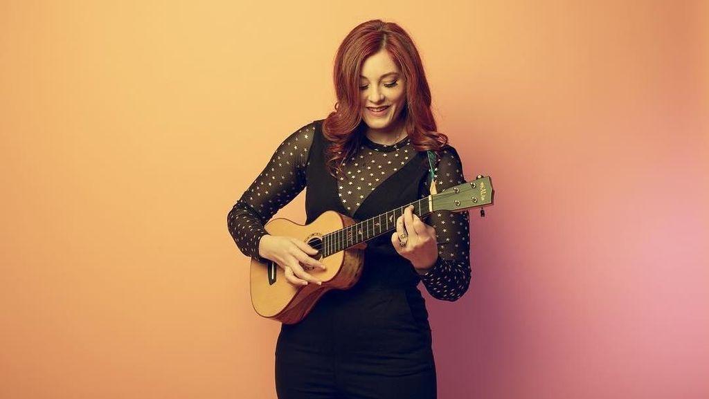 Salut! Wanita Cantik Tuna Rungu Ini Sukses Jadi Musisi, Dipuji Simon Cowell