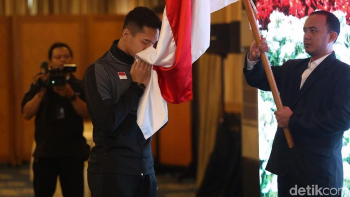 Wiranto melepas skuat Indonesia ke Piala Sudirman 2019.  (Agung Pambudhy/detikSport)