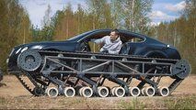 Ketika Mobil Mewah Disulap Jadi Tank