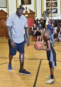Tak Mampu Beli Sneakers untuk Anak, Ibu Ini Dapat Kejutan dari Bintang NBA