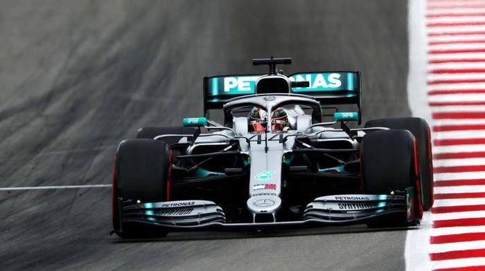 Lewis Hamilton jadi pebalap tercepat di latihan bebas ketiga GP Spanyol (Foto: Dan Istitene/Getty Images)