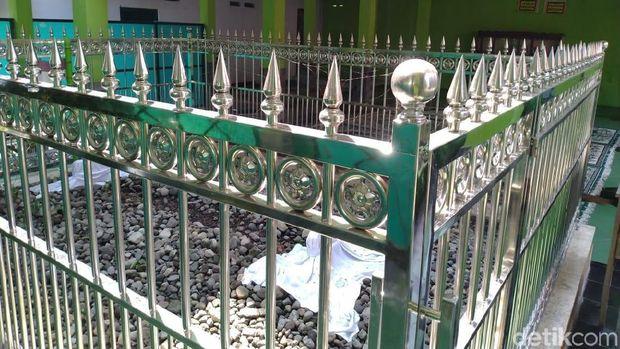 Makam ulama pendiri laskar hizbullah/