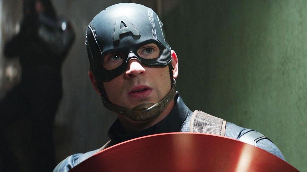 Dear Traveler, Jangan Colak-colek Captain America Dong!