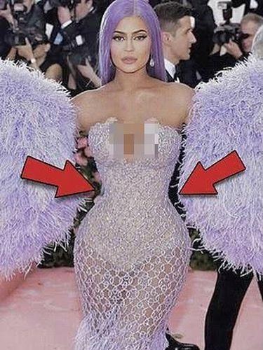 Kendall dan Kylie Jenner Ketahuan Edit Foto, Bikin Pinggul dan Kepala Kecil