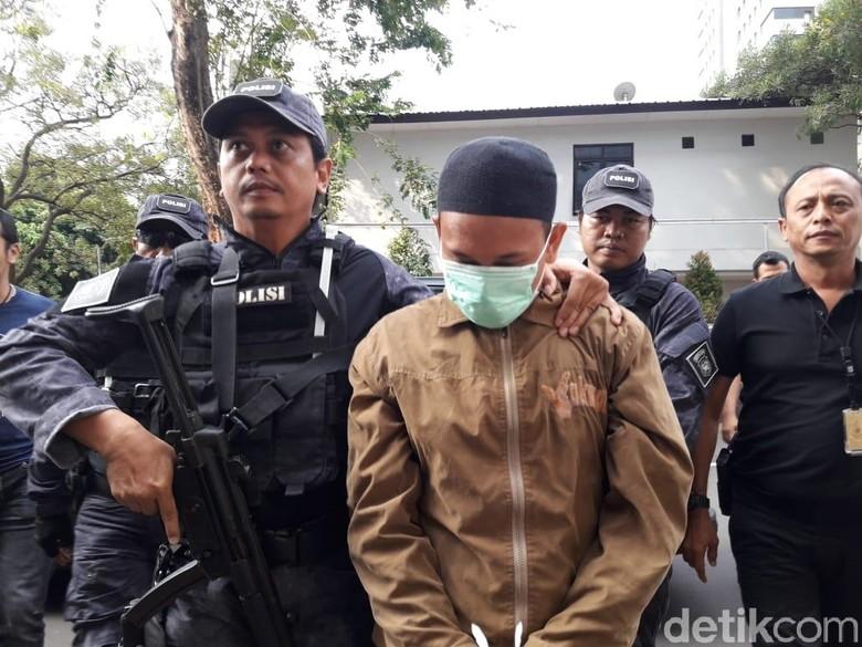 Nasib Pengancam Jokowi, Hanya Menunduk Usai Diciduk