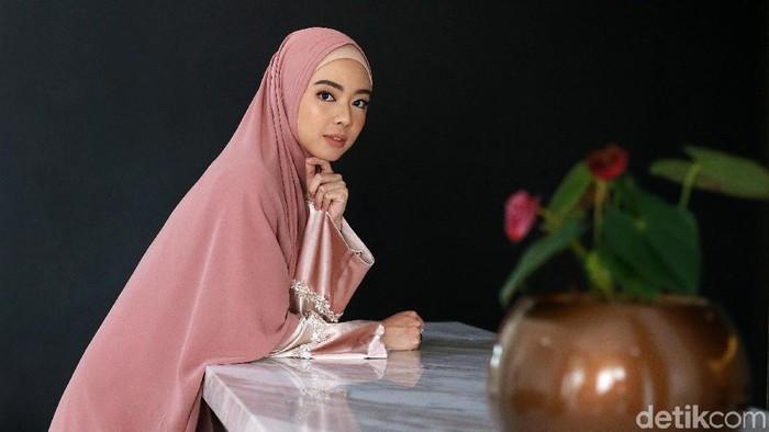 Cerita Lindswell Kwok Bisnis Busana Muslim Setelah Mualaf Pensiun Wushu