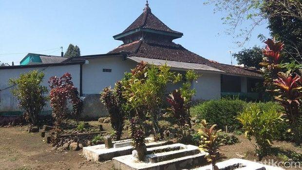 Tak Diketahui Kapan Dibangun, Masjid Kuno ini Disebut Masjid Tiban