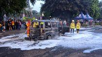 Mobil Terbakar di Juanda, Lalu Lintas Sempat Terganggu