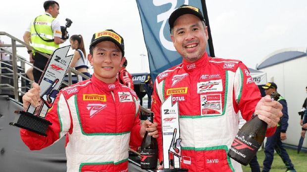 Rio Haryanto dan David Bawa Pulang Trofi saat berlaga di Thailand